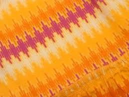 オレンジ色のワンピース